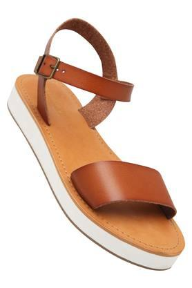 STEVE MADDEN Womens Casual Wear Buckle Closure Flats