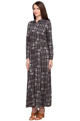 Womens Collared Printed Gown