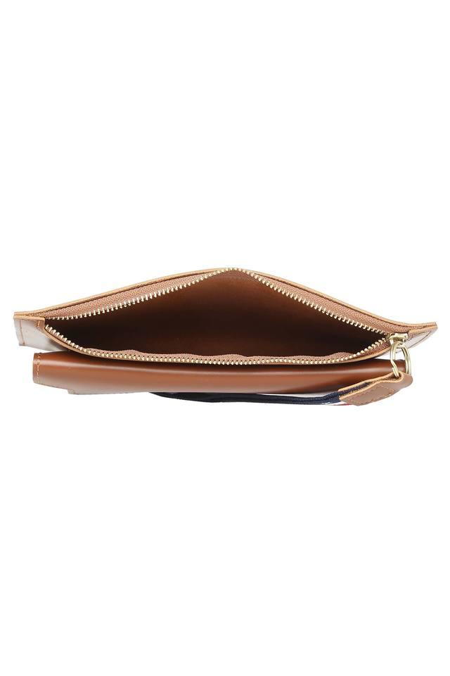 Womens Casual Wear Zip Closure Wallet