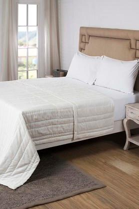 MASPARStriped Double Quilt With 2 Pillow Covers