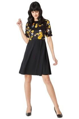 Womens Relaxed Fit Round Neck Printed Skater Dress