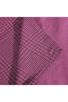 Flamboyance Houndstooth Print King Bed Sheet with 2 Pillow Covers