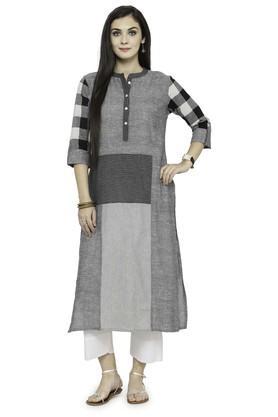 VARANGAWomen Checkered Kurta And Pant Set