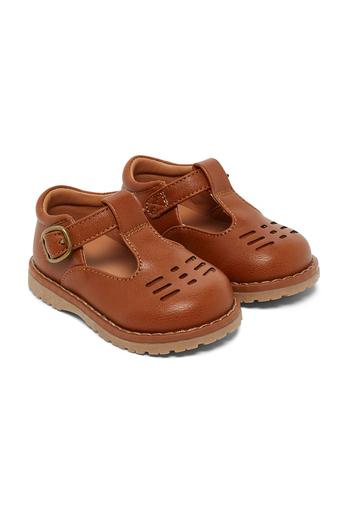 Boys Buckle Closure Sneakers