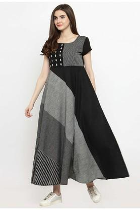 Women Cotton Blend Geometric Print Maxi dress