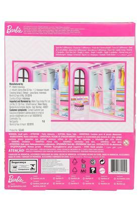 Girls Barbie Doll Fashions and Accessories Set