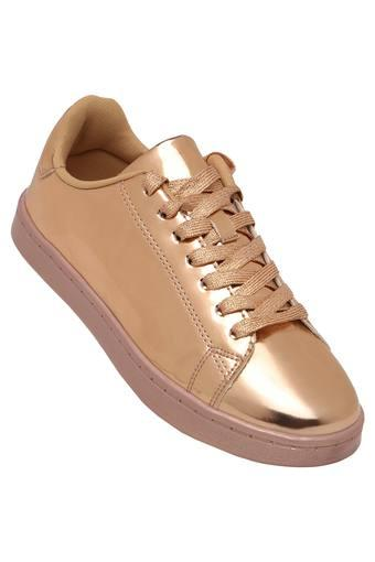 STEVE MADDEN -  GoldCasuals Shoes - Main