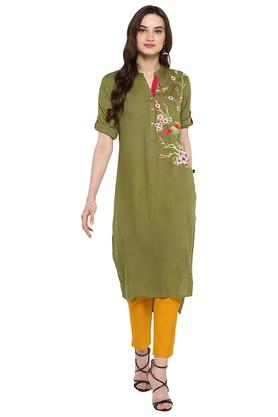 JUNIPER Womens Olive Embroidered High Low Kurta With Pant