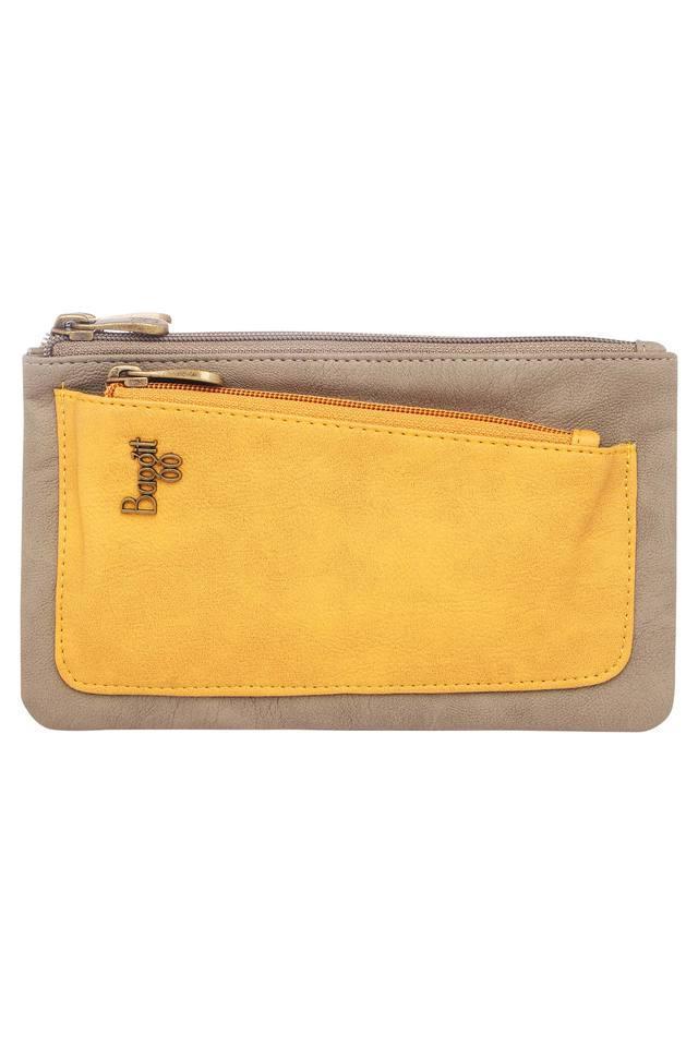 Womens Casual Wear Zipper Closure Wallet