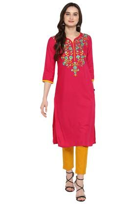 JUNIPER Womens Magenta Embroidered Long Kurta With Pant - 204323878_9557