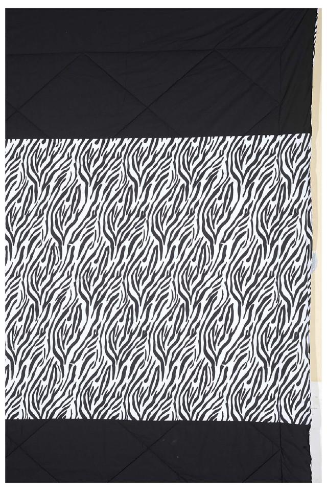 Black and White Abstract Single AC Comfortor