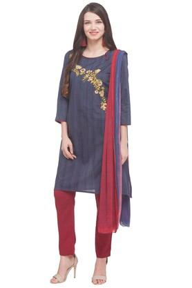 Womens Round Neck Stripe Embroidered Pant Suit