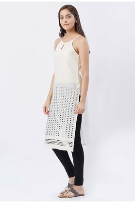 Womens Round Neck Self Pattern Kurta