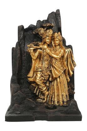 Radha Krishna Fountain With Yellow Light