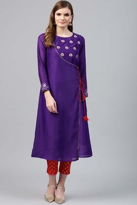 JUNIPER Womens Round Neck Solid Embroidered Kurta And Pant Set