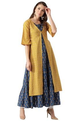 LIBAS Womens Rayon Anarkali Kurta With Ethnic Jacket