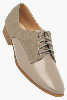 VAN HEUSEN Womens Casual Wear Lace Up Shoes - 203155290