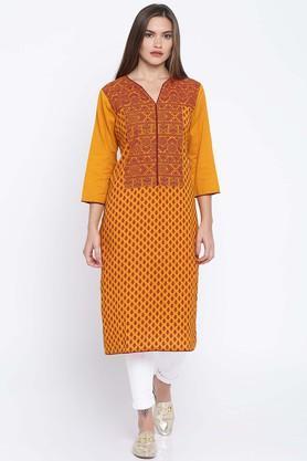 JASHNPure Cotton Ethnic Motifs Round Neck Kurta - 204127439_8843