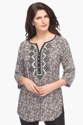 SANAA Womens Round Neck Embroidered Printed Top
