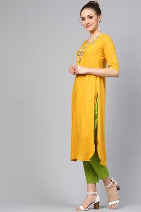 Womens Round Neck Embroidered Kurta and Pants Set