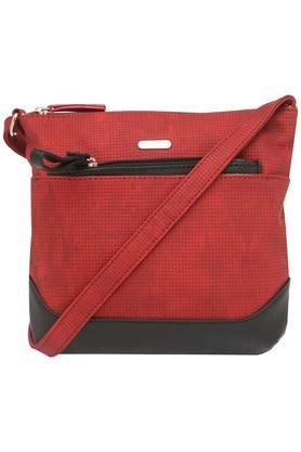 LAVIEWomens Zipper Closure Sling Bag