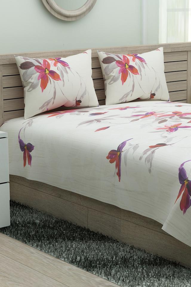 Floral Printed Double Bed Sheet with Pillow Covers
