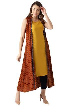 LIBASWomens Rayon Printed Aline Kurta And Ethnic Jacket