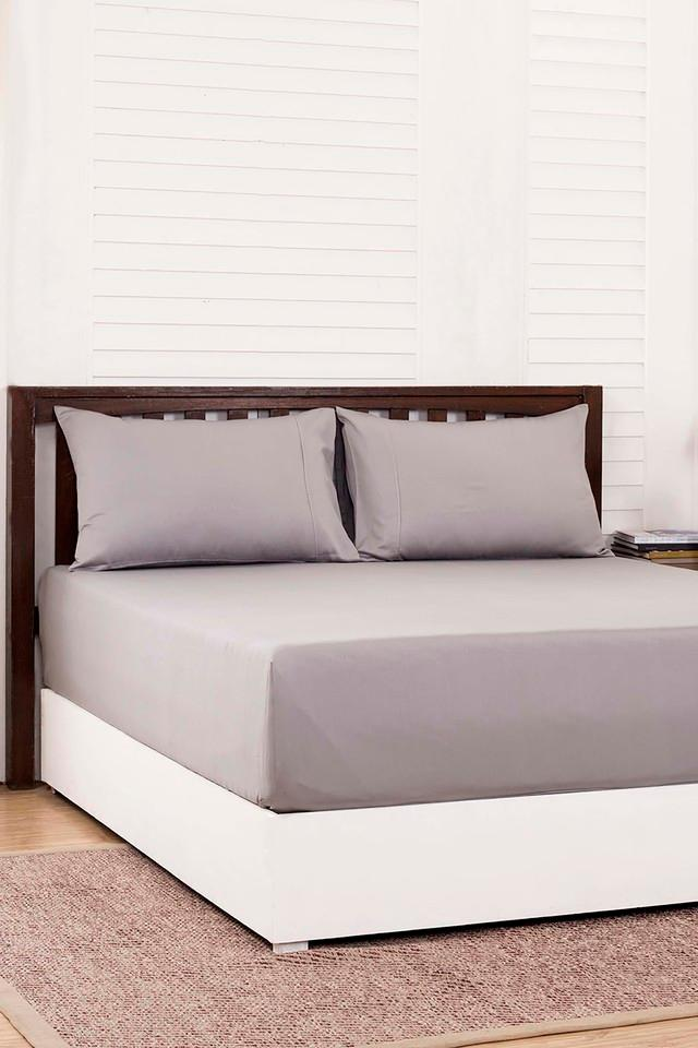 Solid King Bedsheet with 2 Pillow Covers