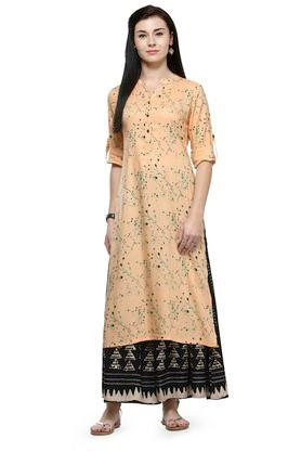 VARANGA Women Printed Kurta With Triangle Print Flared Palazzo