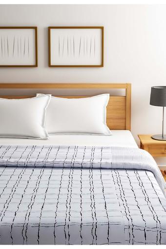 White and Black Geometric Single AC Comfortor