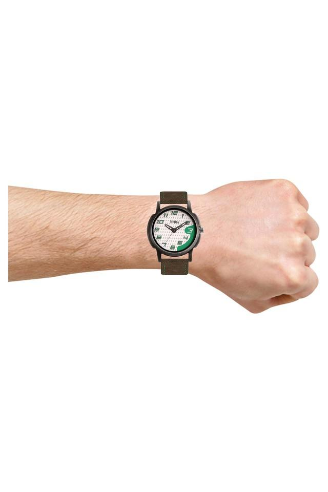 Mens Eco Series White Dial Analog Watch - HR717MLWGN64