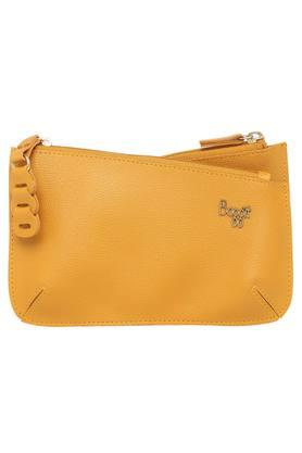 e6398cf9747 Buy Clutches   Wallets For Women Online