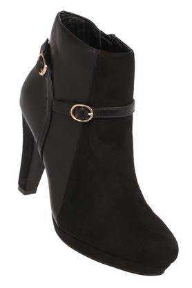 CERIZWomens Casual Wear Zipper Closure Boots