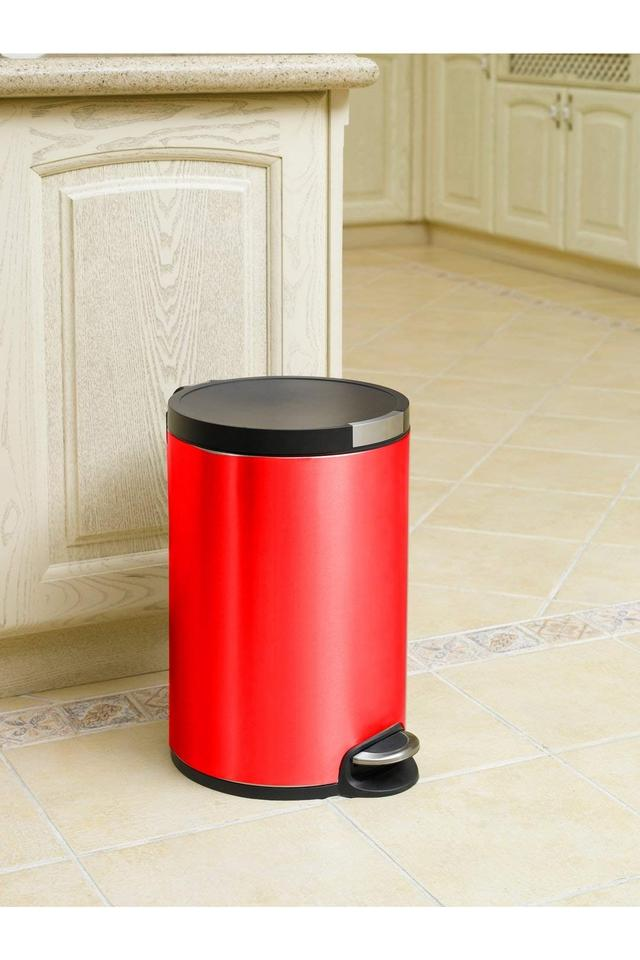 Round Solid Dustbin with Pedal