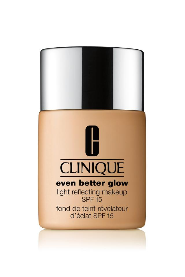 Even Better Glow Light Reflecting Broad Spectrum Foundation with SPF 15