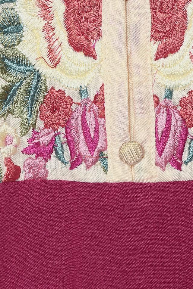 Womens Mandarin Collar Embroidered Kurta