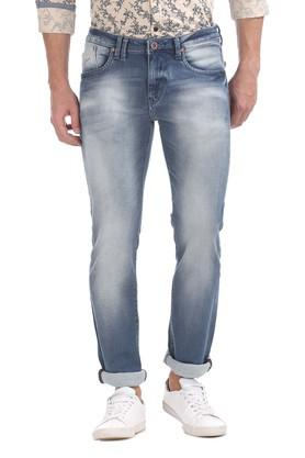 FLYING MACHINE Mens Slim Tapered Mild Wash Jeans