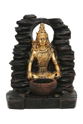 Shiva Fountain With Yellow Light