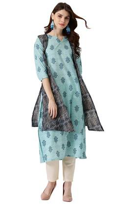 LIBASWomens Cotton Printed A-line Kurta With Ethinc Jacket