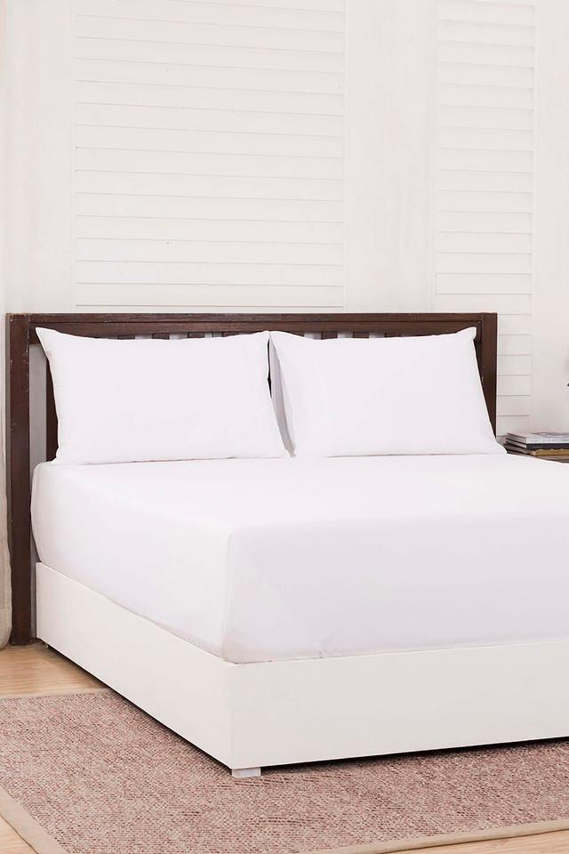 Solid Double Bedsheet with 2 Pillow Covers