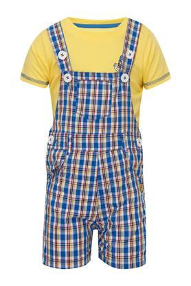 Boys Round Neck Checked Dungaree and Solid T-Shirt