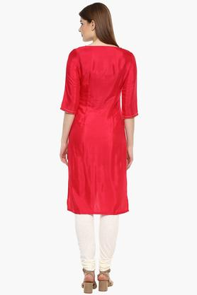 Womens Round Neck Embelished Kurta