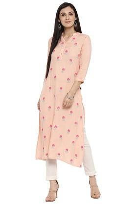 JUNIPER Womens Zari Embroidered Kurta With Pant