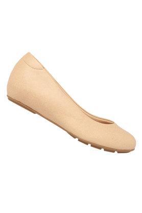 1263d61fbb8320 Buy Womens Shoes   Sandals Online