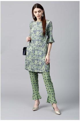 Women Rayon Printed Short Straight Kurta With Printed Rayon Trouser