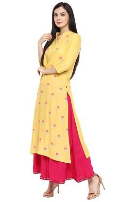 Womens Rayon Zari Embroidered Straight Kurta