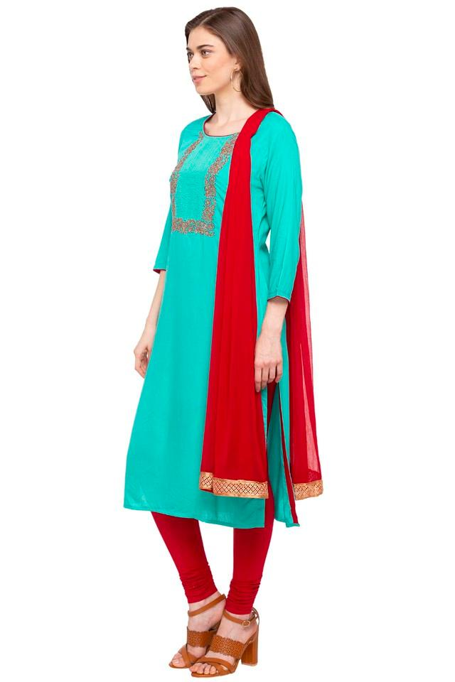 Womens Round Neck Floral Print Churidar Suit