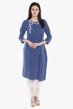 FUSION BEATS Womens Round Neck Embroidered Kurta