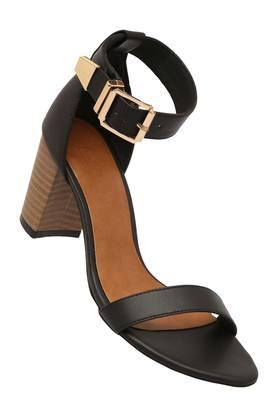 Womens Casual Wear Buckle Closure Heels