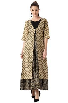 LIBASWomens Cotton Anarkali Kurta With Ethnic Jacket